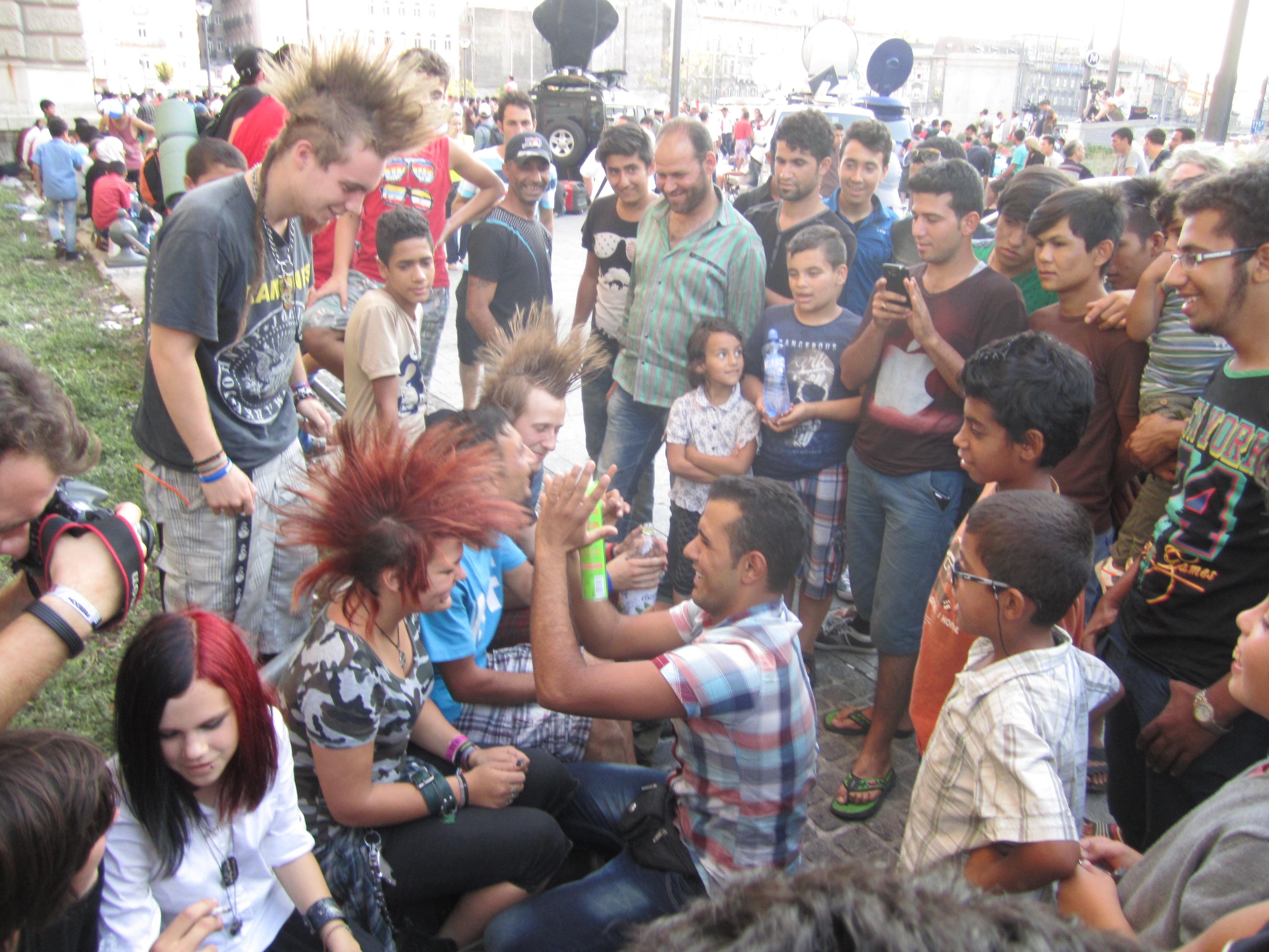 Gut sitzende Frisuren werden in Ungarn und Syrien gleichermaßen geschätzt